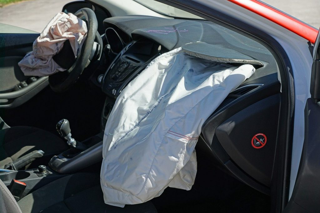 How to Avoid Airbag Injuries